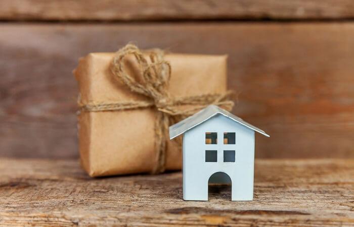 Ideas For Housewarming Gift 13